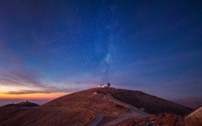Periodista lanzó segunda guía con nuevas rutas de turismo científico en Chile