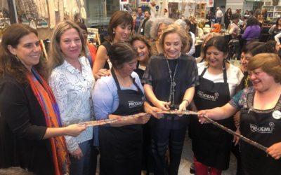 Feria Chiloé Mujer incluye gastronomía, artesanía y textilería típica de la isla