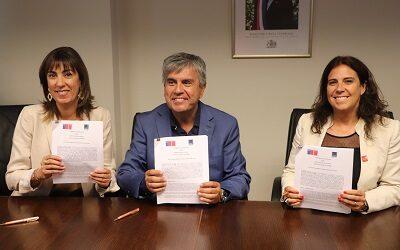 Comunas turísticas firman alianza con Sernatur y Subsecretaría de Turismo