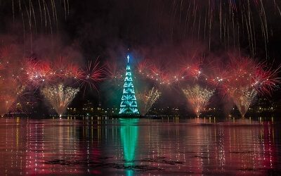 Río de Janeiro inauguró el mayor árbol de Navidad flotante de América del Sur