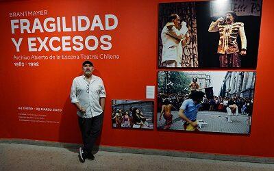 Fotos de Jorge Brantmayer retratan el teatro chileno de una década en GAM