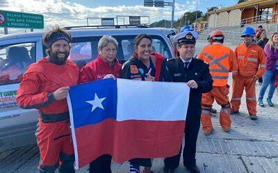 Bárbara Hernández primera en cruzar nadando ruta inédita del canal Beagle